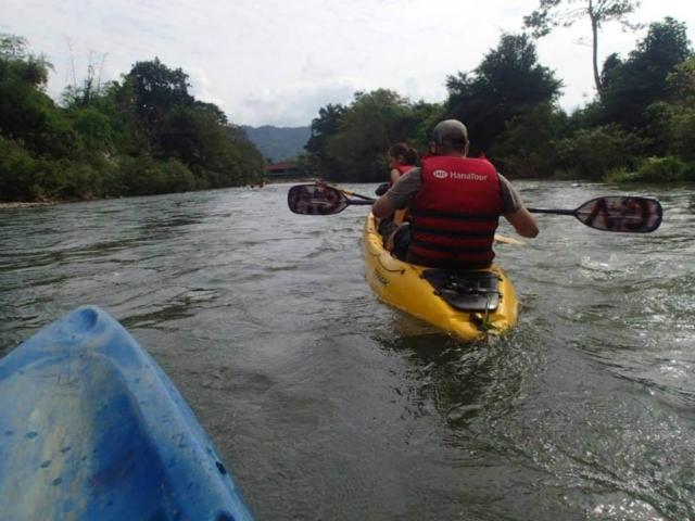 Spływ rzeką Nang Song - Laos - fot. Jerzy Kostrzewa