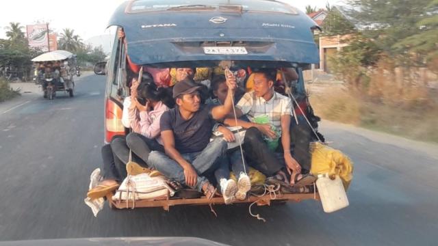Podróżowanie w Kambodży - fot. Jerzy Kostrzewa