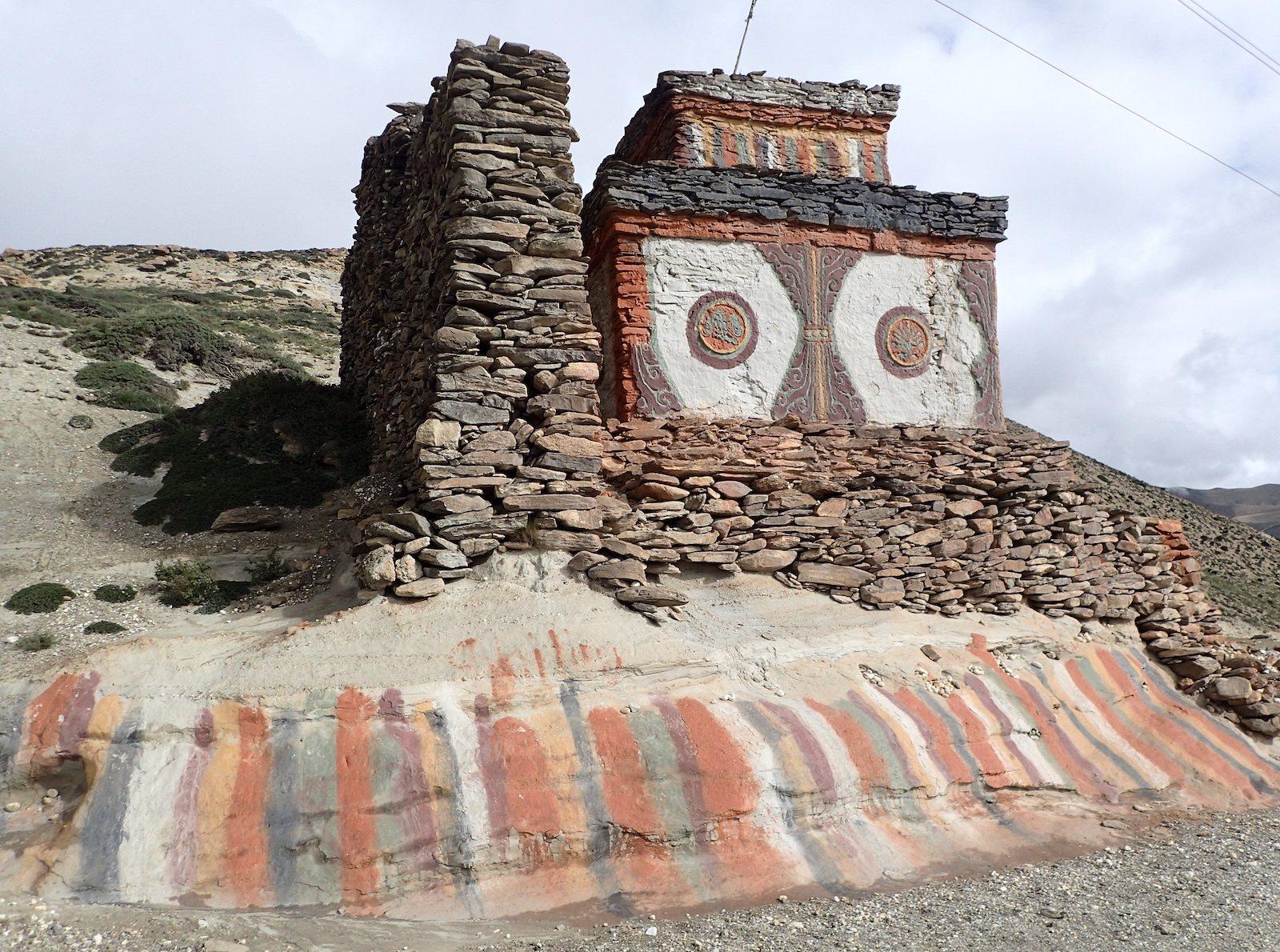 Stupa , Mustang - fot. Jerzy Kostrzewa