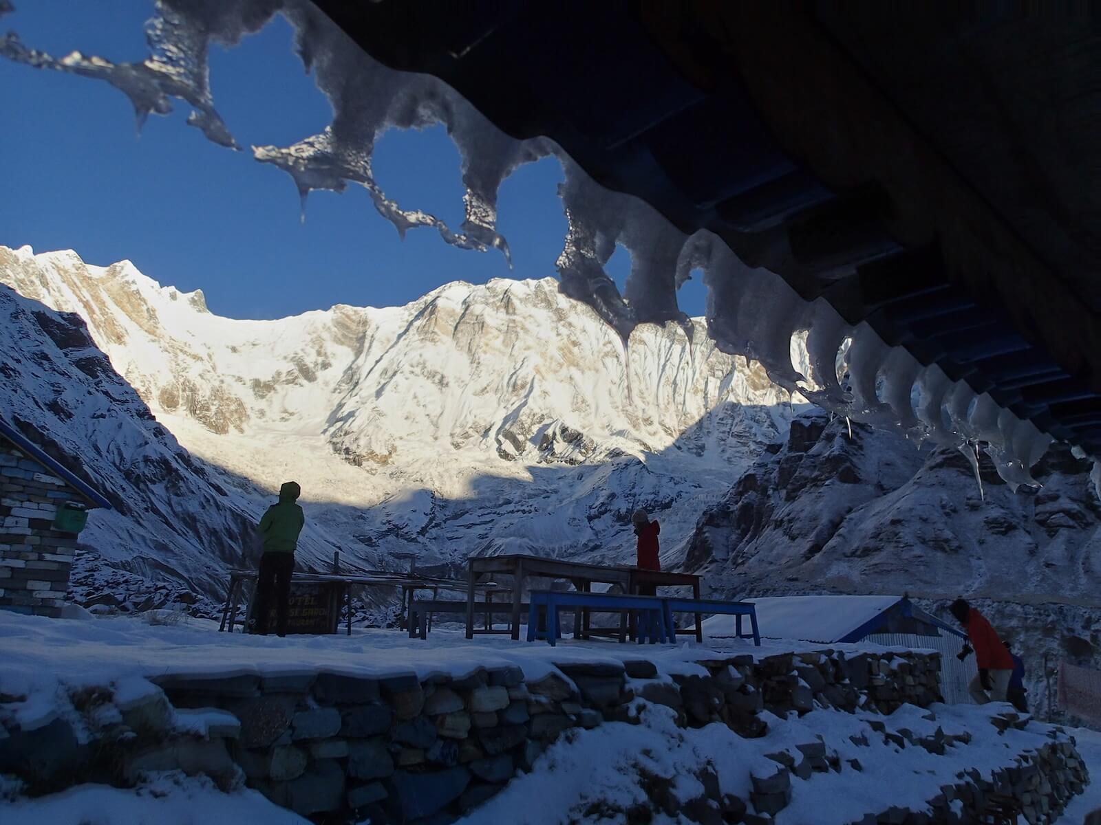 O poranku w Annapurna BC - fot. Jerzy Kostrzewa