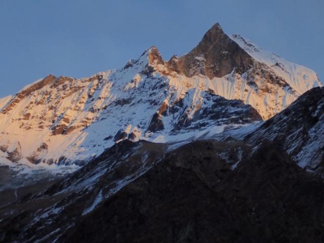 Machapuchare widziana z sanktuarium Annapurny - fot. Jerzy Kostrzewa