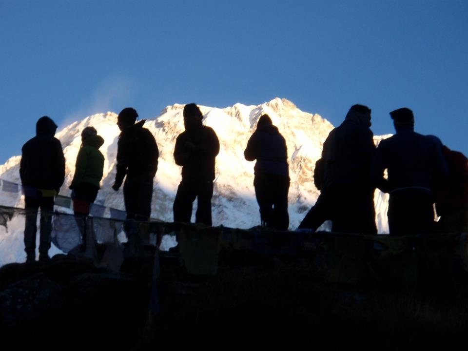 W Sanktuarium Annapurny o swicie fot. Jerzy Kostrzewa