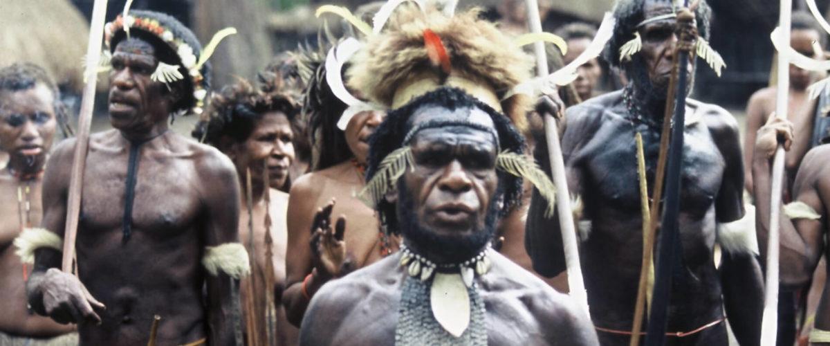 Papuasi z plemienia Dani - fot. Jerzy Kostrzewa